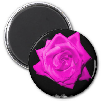 Dark pink colorized rose on a jagged black back 6 cm round magnet