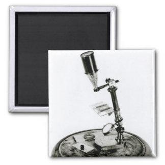 Darwin's microscope magnet