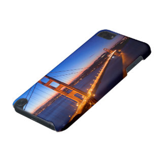 Dawn over San Francisco and Golden Gate Bridge. iPod Touch 5G Case
