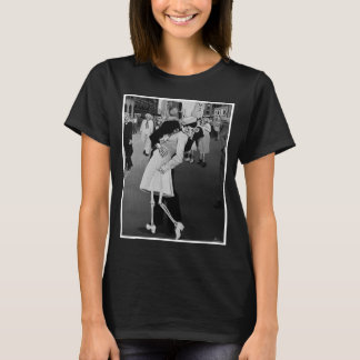Day of the Dead Kiss in Times Square T-Shirt