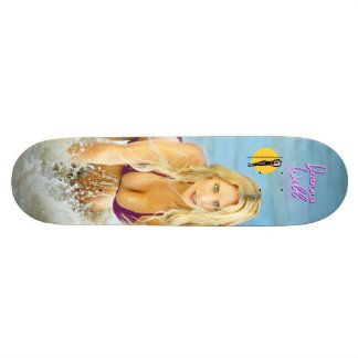 """Deanna Webb """"Rostro"""" Skate Board"""