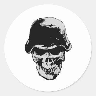 Death skull stalhelm round sticker