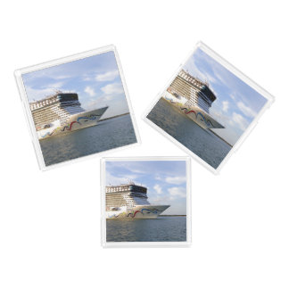 Decorated Cruise Ship Bow asts Acrylic Tray