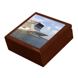 Decorated Cruise Ship Bow Large Square Gift Box