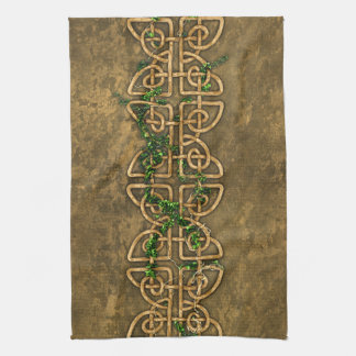 Decorative Celtic Knots With Ivy Towel