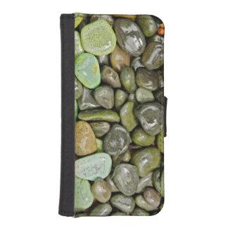 Decorative landscaping rocks iPhone SE/5/5s wallet case
