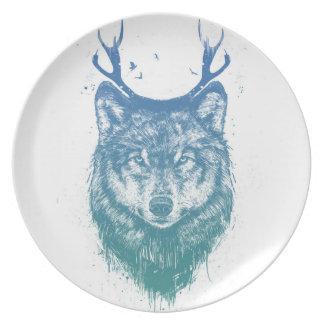Deer wolf dinner plate