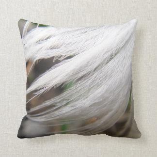 Dekokissen white swan feather cushion