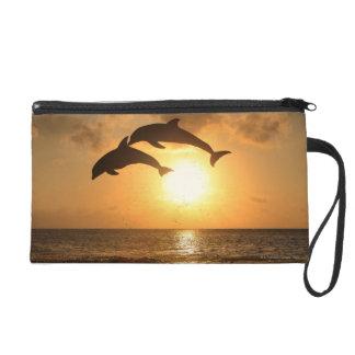 Delfin 3 wristlet