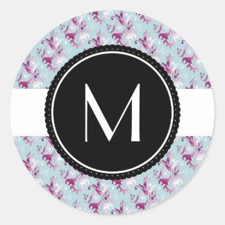 Delicate Damask Pattern Round Sticker
