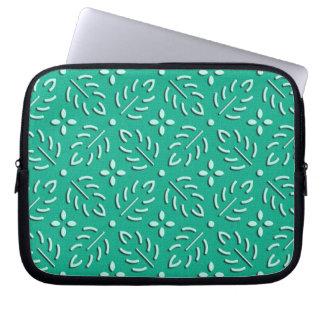 Delicate green leaves japanese pattern laptop sleeve