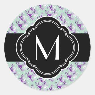 Delicate Purple Damask Pattern Round Sticker