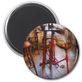 Dentist - Physically demanding work 6 Cm Round Magnet
