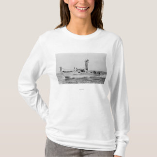 Depoe Bay, Oregon Tradewinds Kingfisher Boat T-Shirt
