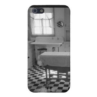 Depression-Era Farm Kitchen iPhone 5/5S Cases