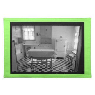 Depression-Era Farm Kitchen Placemat (Green) Cloth Placemat
