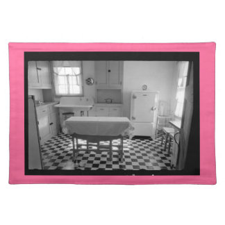 Depression-Era Farm Kitchen Placemat Pink Border