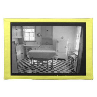Depression-Era Farm Kitchen Placemat (Yellow) Cloth Placemat