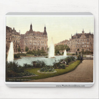 Der Deutsche Ring, Cologne, the Rhine, Germany cla Mousepad