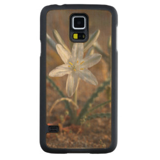 Desert Lily Wildflowers Carved Maple Galaxy S5 Case