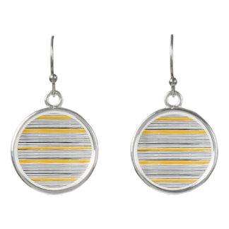 Designers ladies earrings : gold and black