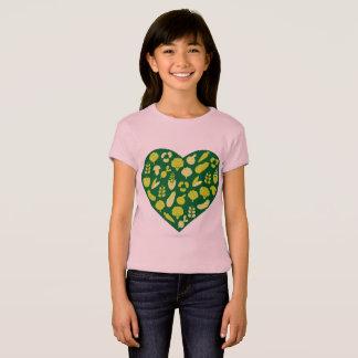 Designers pink t-shirt with Green bio heart