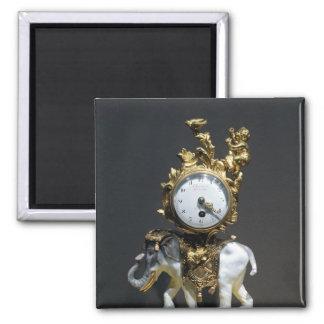 Desk clock square magnet