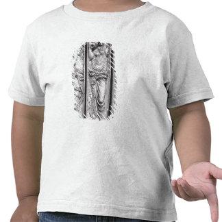 Detail of reliefs t shirt