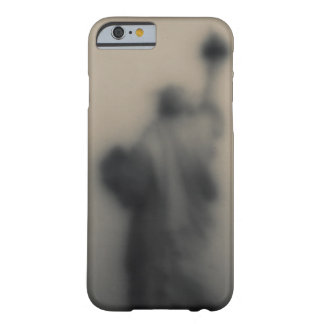 Diffused image of the Statue of Liberty Barely There iPhone 6 Case