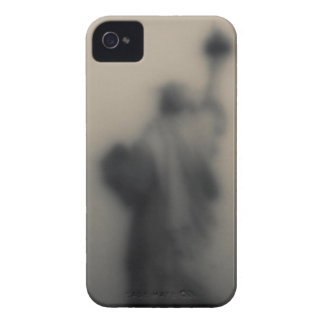 Diffused image of the Statue of Liberty Case-Mate iPhone 4 Cases