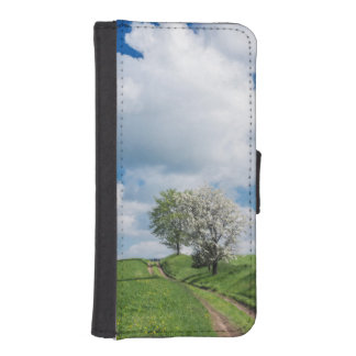 Dirt Road and Apple Trees iPhone SE/5/5s Wallet Case