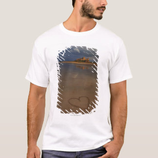 Discovering and falling in love with new places T-Shirt