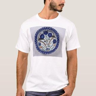 Dish with a floral decoration, Iznik T-Shirt