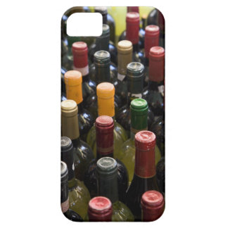dispaly fo wine bottles in market, Campo di iPhone 5 Cases