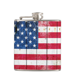 Distressed American Flag On Wood Planks - Horizont Flask