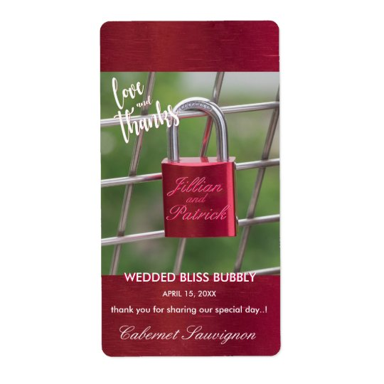 Distressed Look Red Padlock Lovers Bubbly Shipping Label