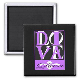 Diva Magnet on Black