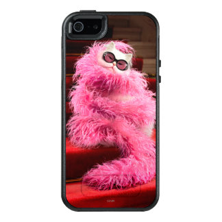 Diva White Cat Wrapped in Pink Boa on Red Carpet OtterBox iPhone 5/5s/SE Case
