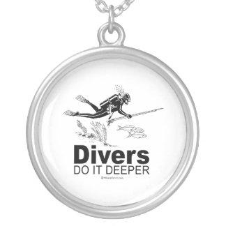 Divers Round Pendant Necklace