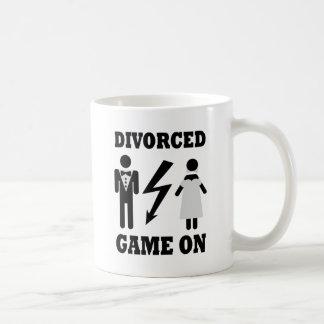 divorced game on icon basic white mug