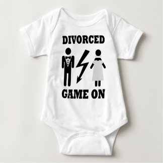 divorced game on icon t-shirt