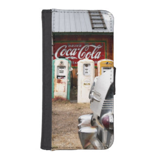 Dixon, New Mexico, United States. Vintage car iPhone SE/5/5s Wallet Case