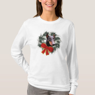 Doberman Dog And Wreath Christmas T-Shirt