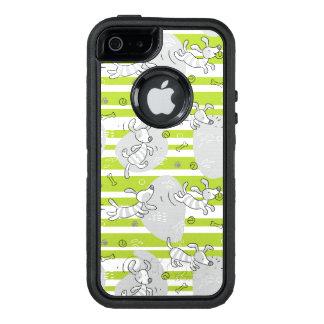 dog playing pattern background OtterBox iPhone 5/5s/SE case