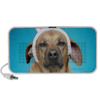 Dog portrait wearing Easter bunny ears Mp3 Speakers