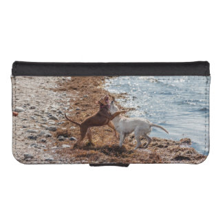 Dogs on beach iPhone SE/5/5s wallet case