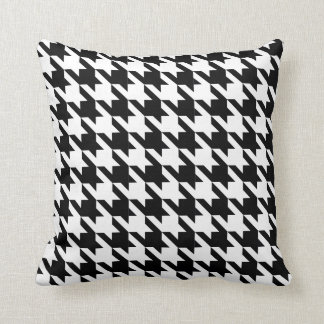 Dogtooth, Houndstooth pattern in Black&White Cushion
