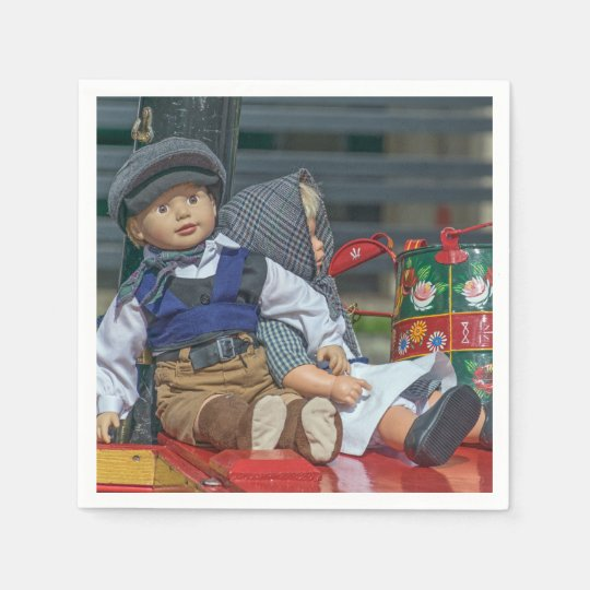 Dolls and watering can disposable napkins