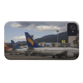 Domestic Chinese jet airliners lined up at iPhone 4 Case