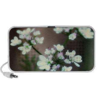 Doodle Speaker~Tiny White Flowers design Travelling Speaker